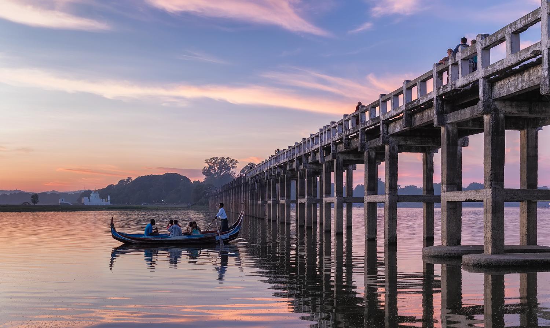 U Bein Bridge at Dusk   35mm   1/25th sec   f5.6   ISO250