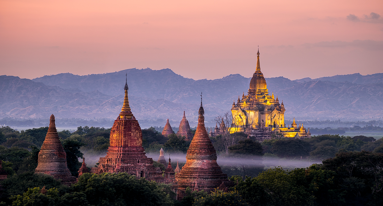 Bagan Temples at Dusk   214mm   4.0sec   f8.0   ISO100