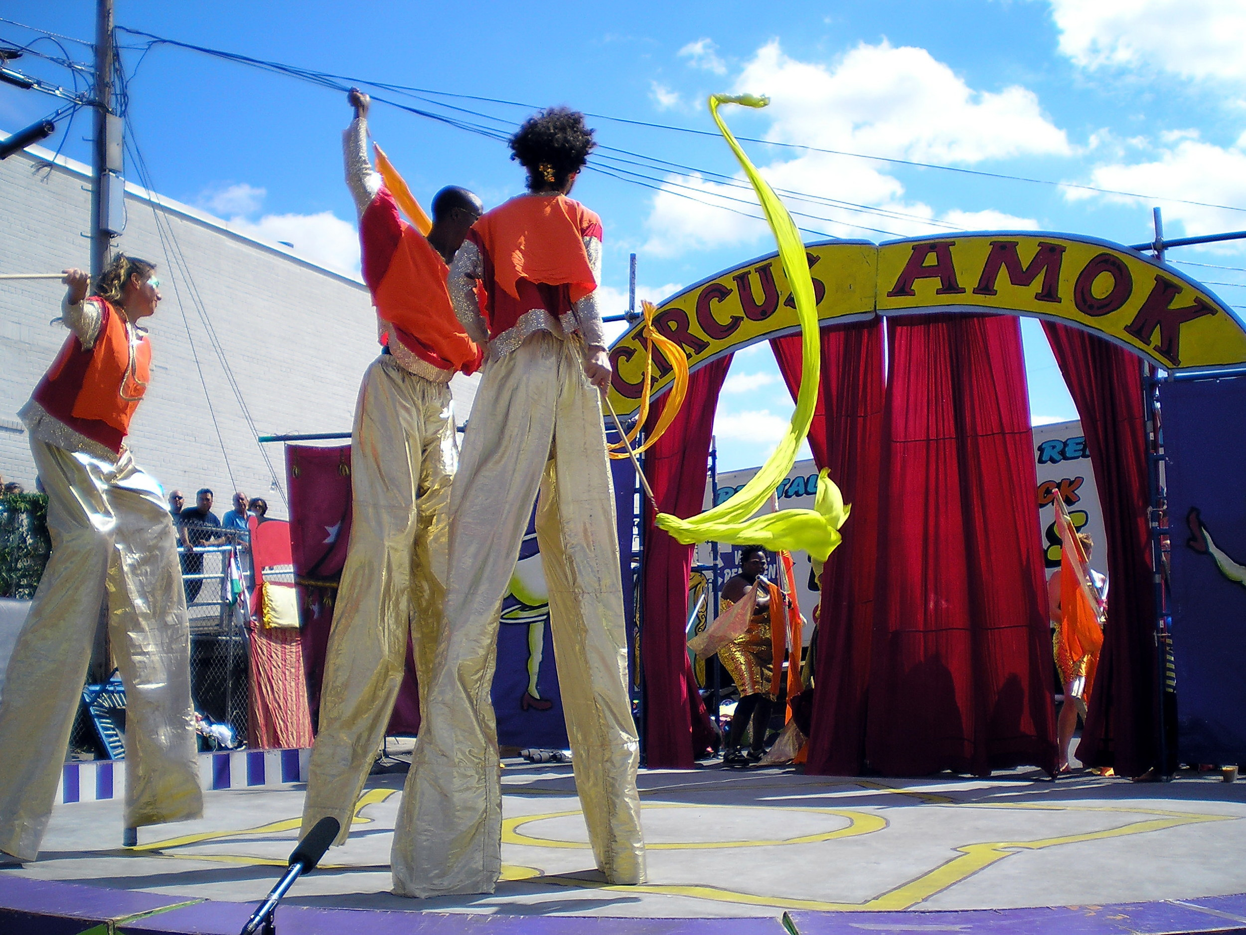Stilt_Walkers_at_Circus_Amok_by_David_Shankbone.jpg