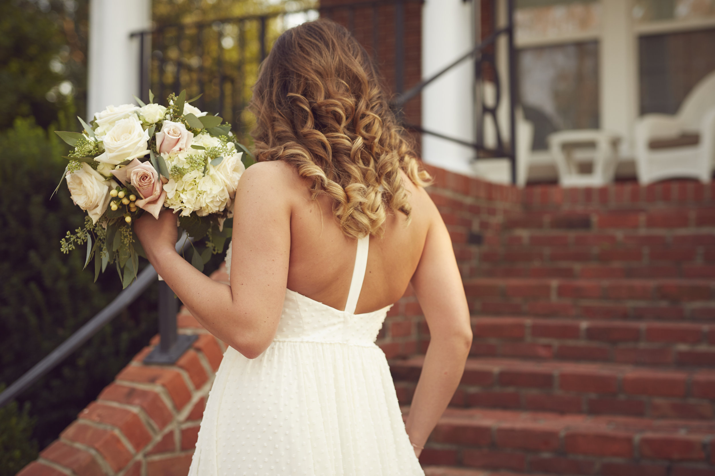 Paducah Kentucky bride with bouquet