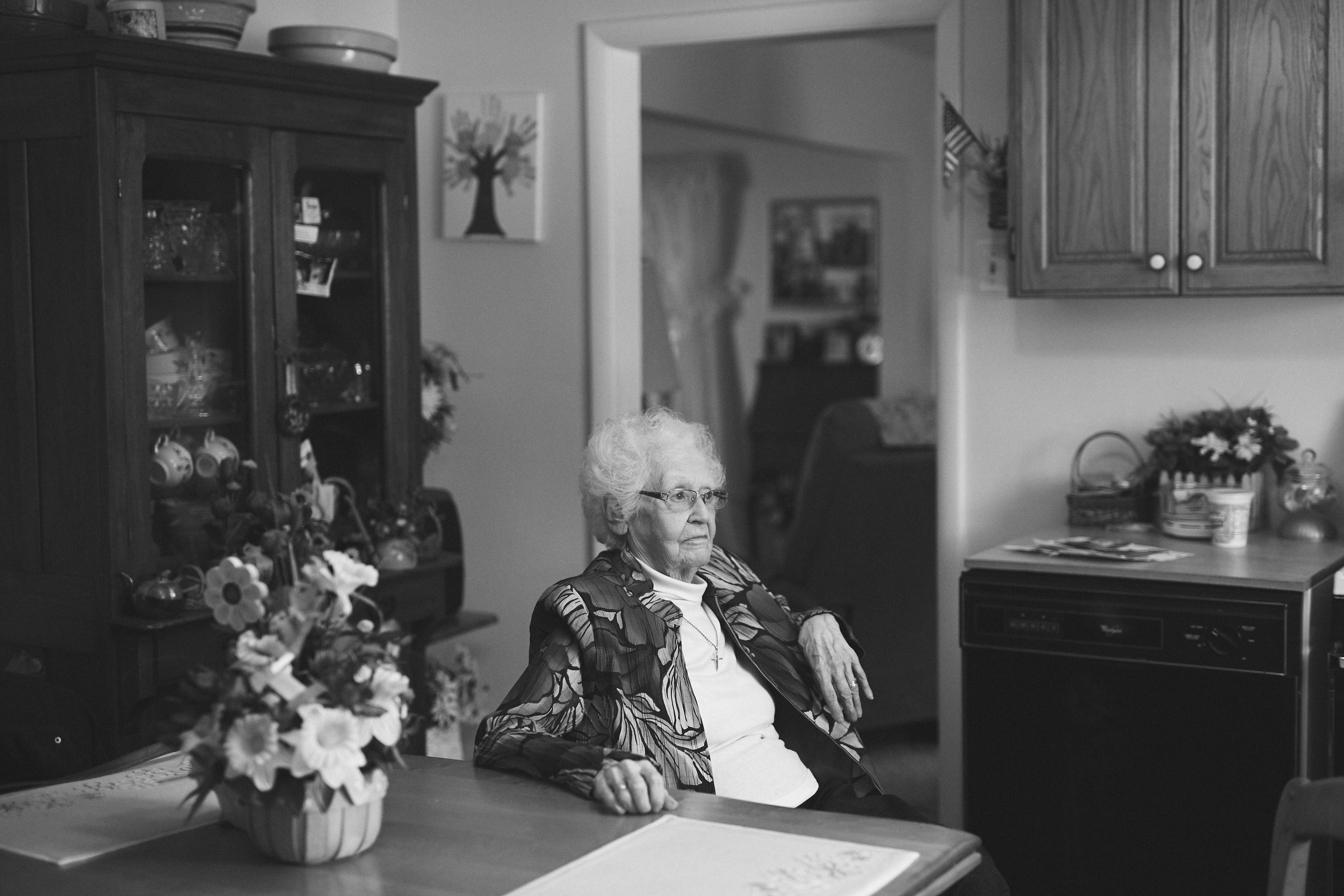 black and white portrait of elderly Illinois woman