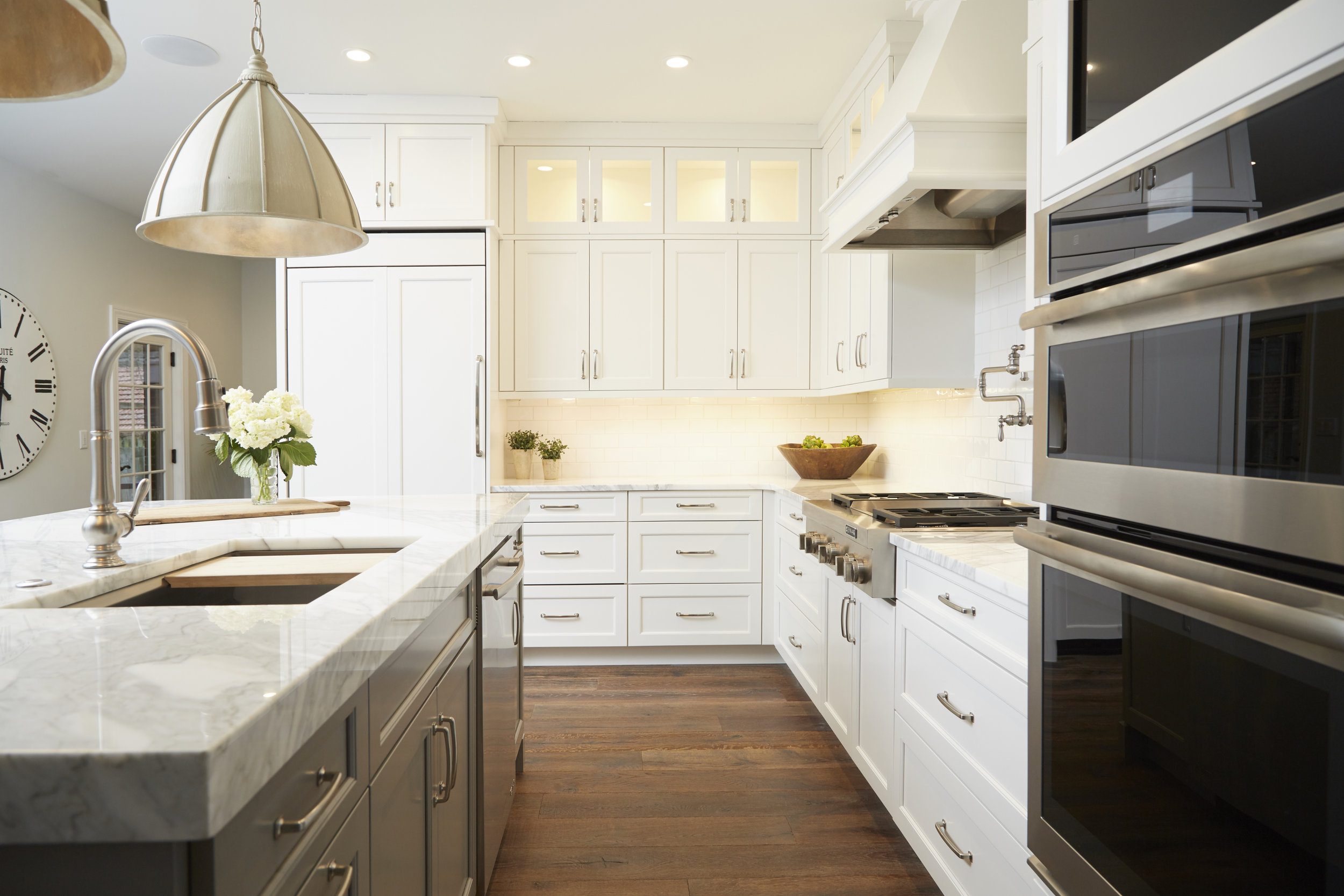 commercial photo of remodeled kitchen