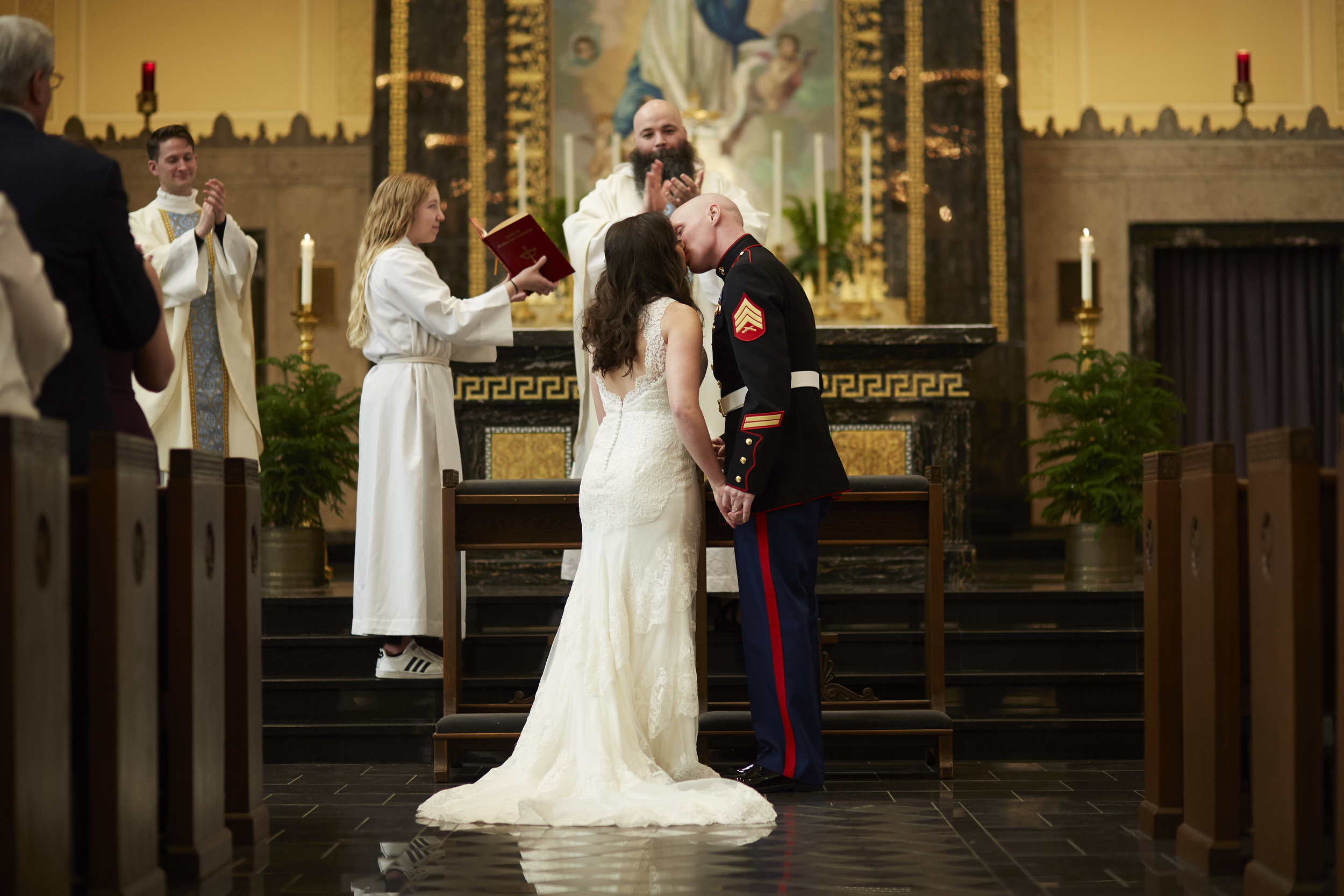 Illinois church wedding ceremony first kiss