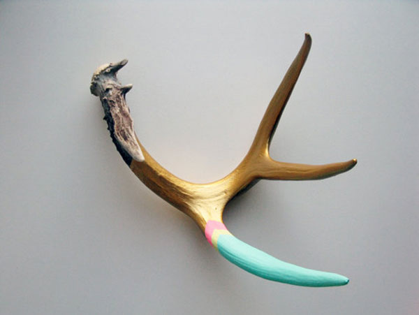I've  written before  about Cassandra Smith and her hand-painted antlers at  Made By Cassandra Smith