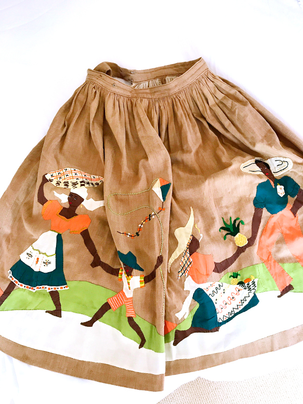 For shopping information on this skirt,    click here   .