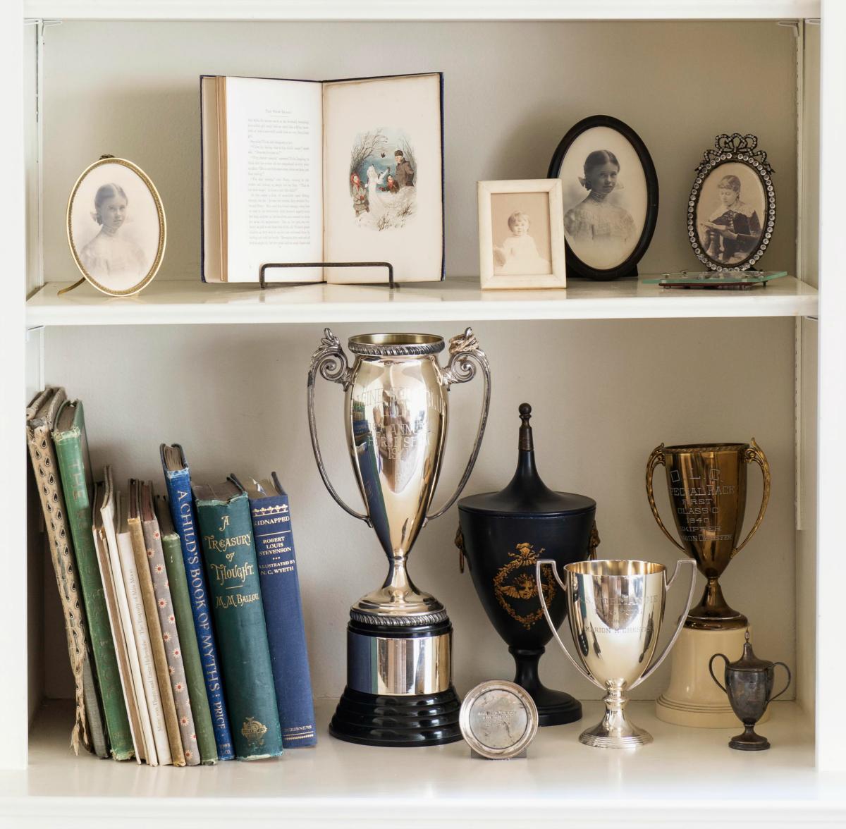Alice_Bookshelves_06_1200.jpg
