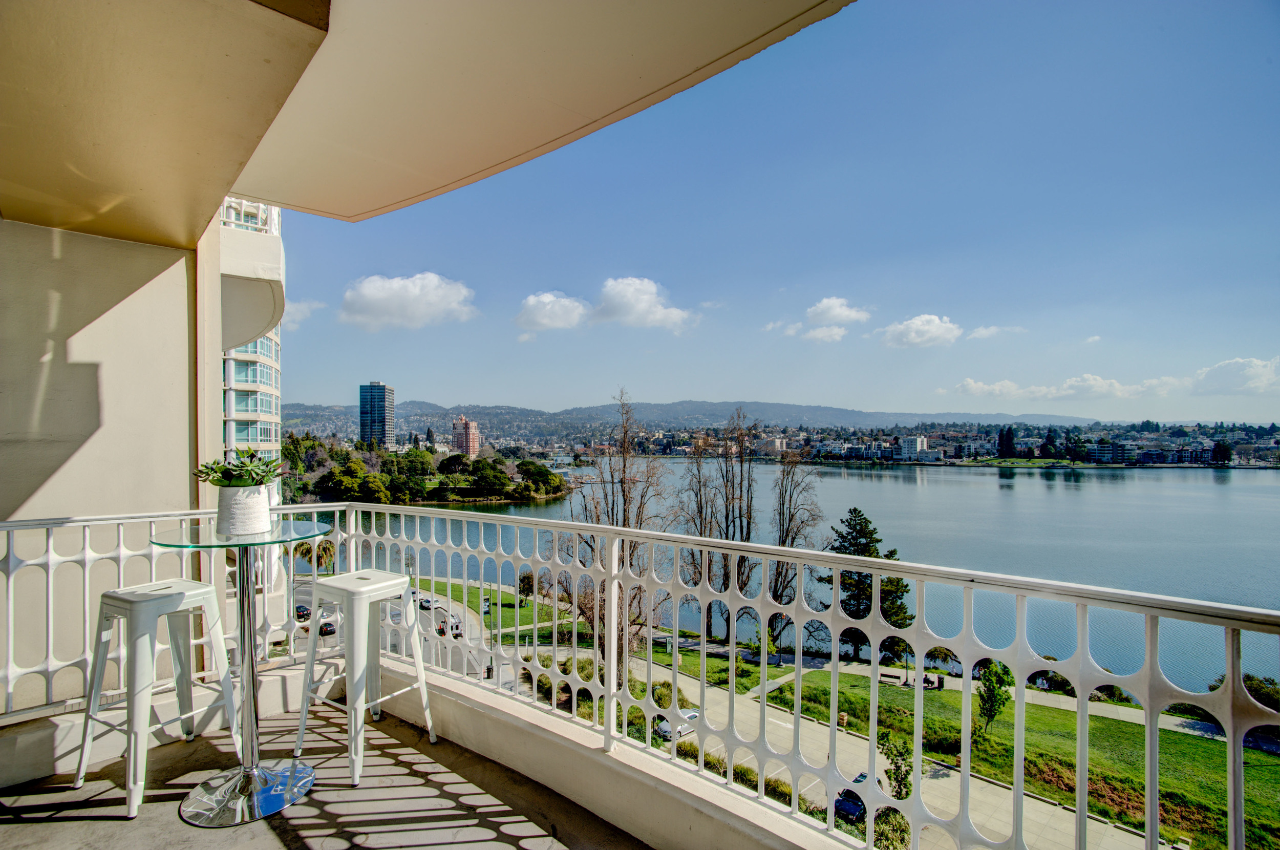 1555_lakeside_drive_unit_93_MLS_HID978716_ROOMbalcony2.jpg