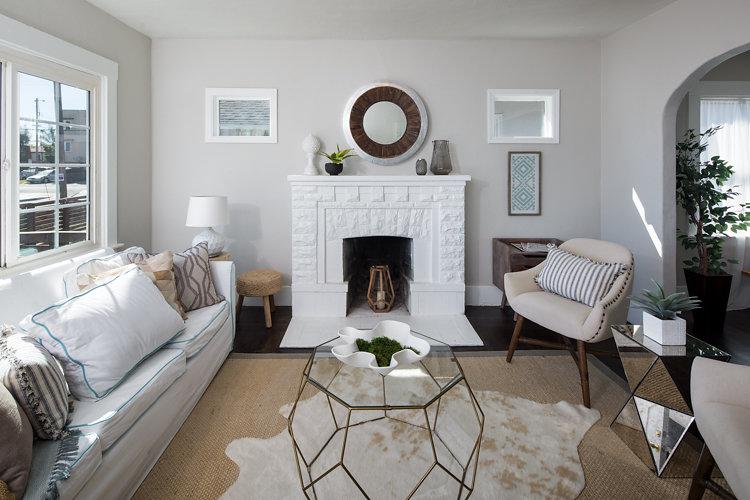 Living Room. 5514 Laverne Maxwell Park Oakland CA 94605