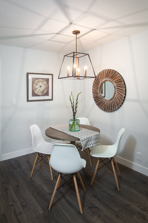 288 Dining Room. Whitmore #329 Oakland CA 94611