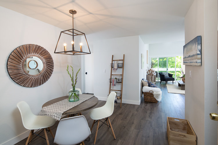 288Dining Room. Whitmore #329 Oakland CA 94611