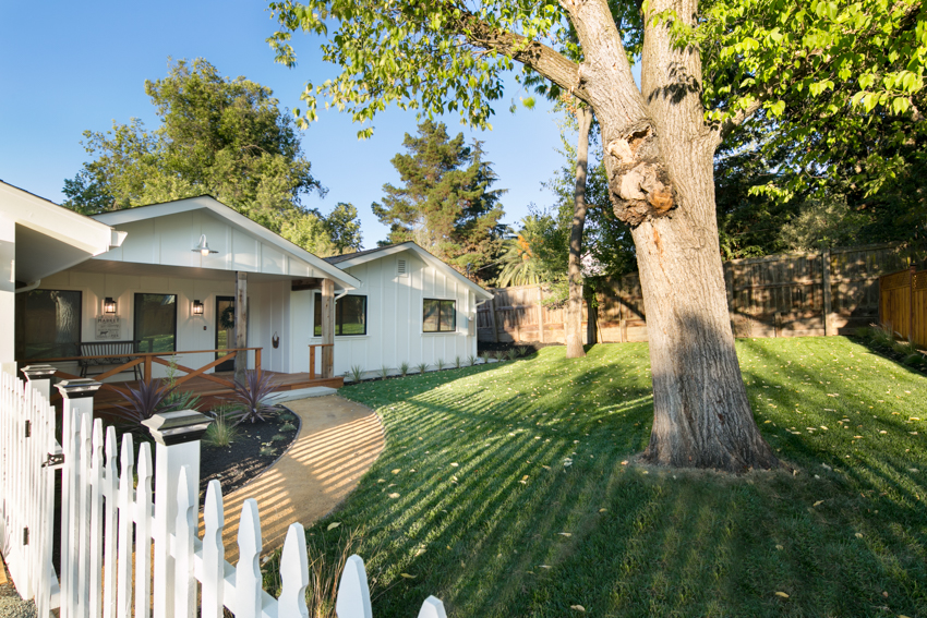 front yard modern farmhouse walnut creek
