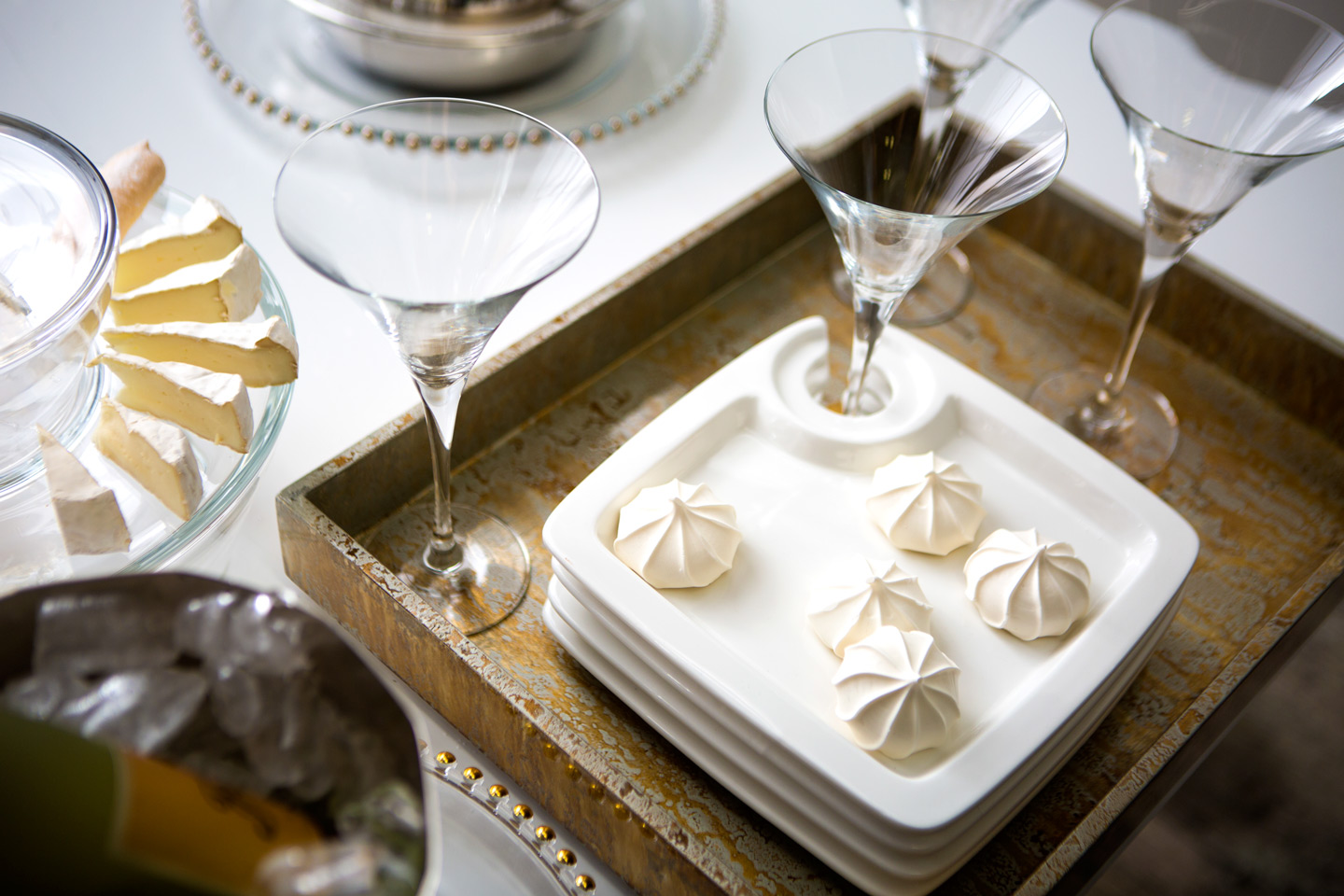 appetizer-plates-with-drink-holders.jpg