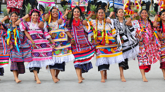 guel dancers.jpg