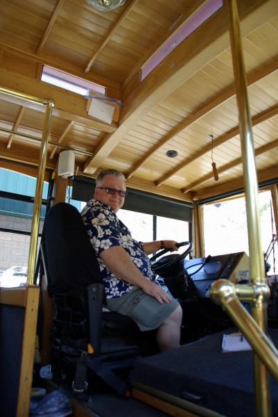 trolley-.Bch_.ChuckSlogaTrolleyPic2-e1376635474972-401x600.jpg