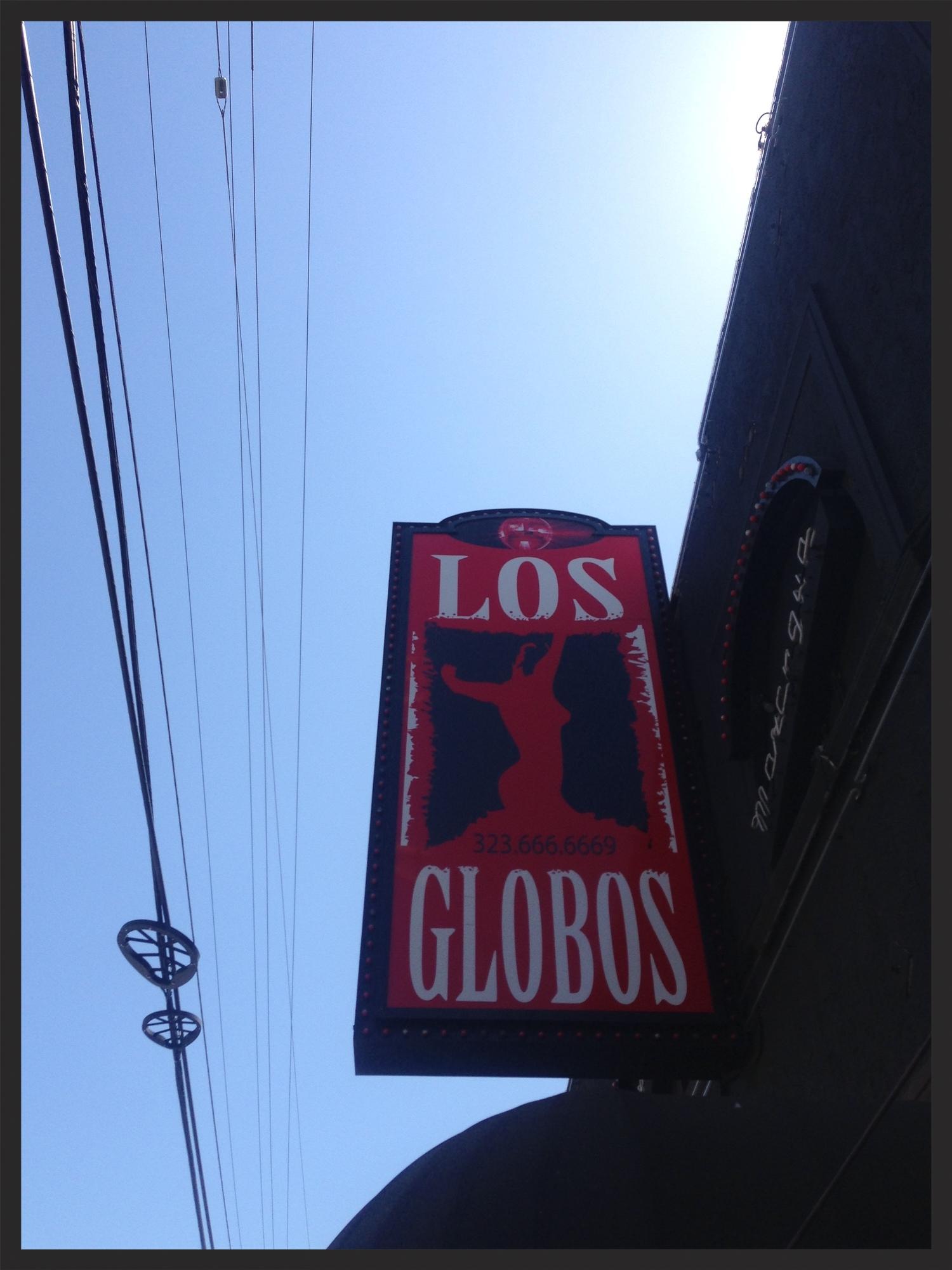 los-globos-sign-anders-larsson-burger-records-fest.jpg