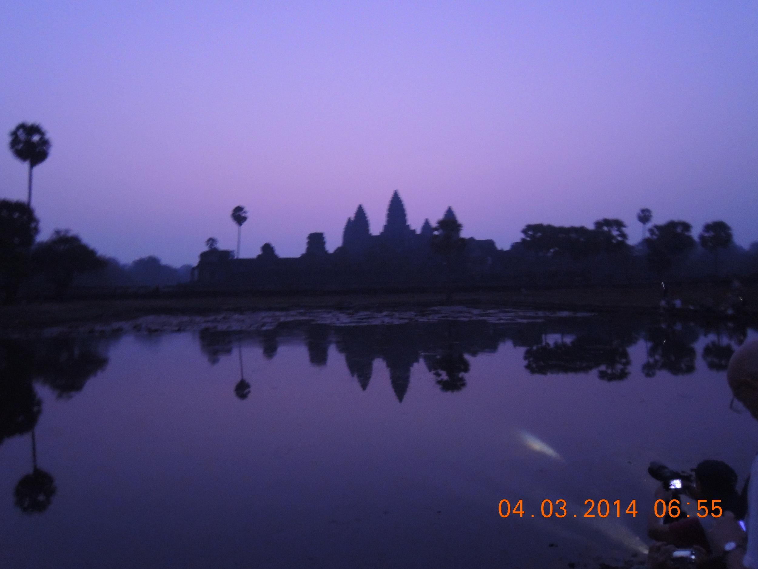 Angkor Wat, the dawn that wasn't.