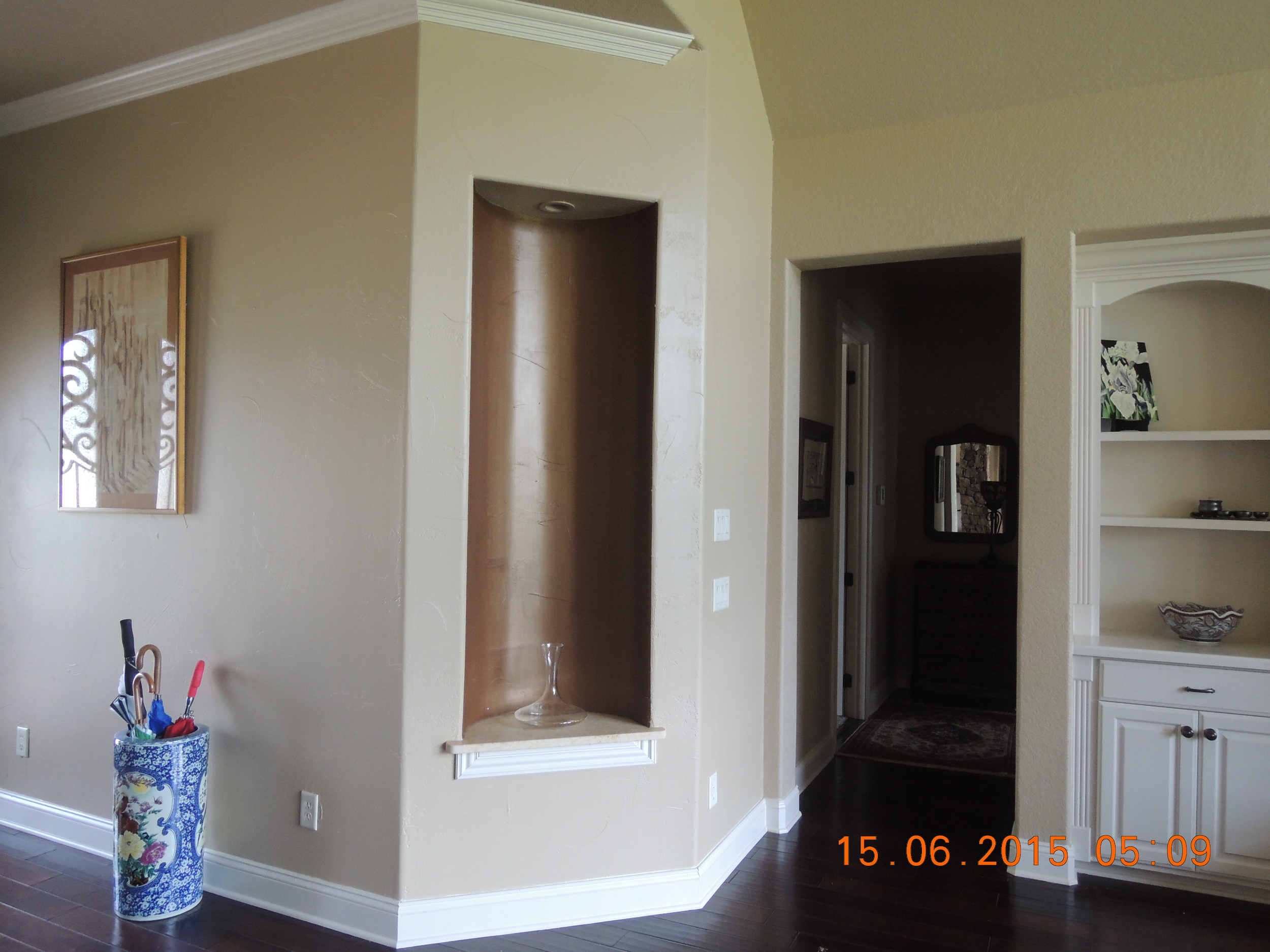 The display alcove