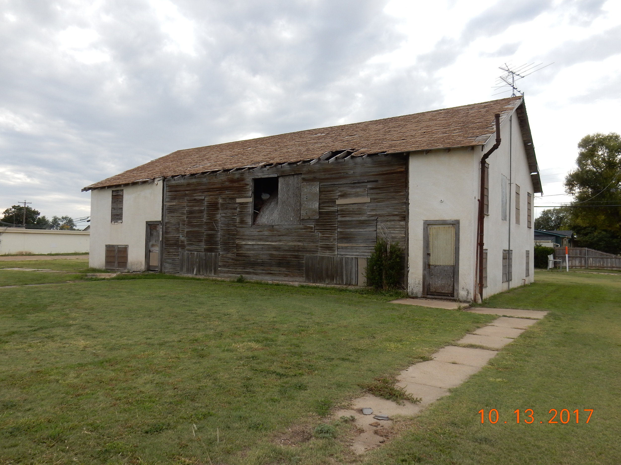 I know this blog tour is supposed to be about WHY STUFF MATTERS, but this old house speaks to anyone who's read OLD BUILDINGS IN NORTH TEXAS.