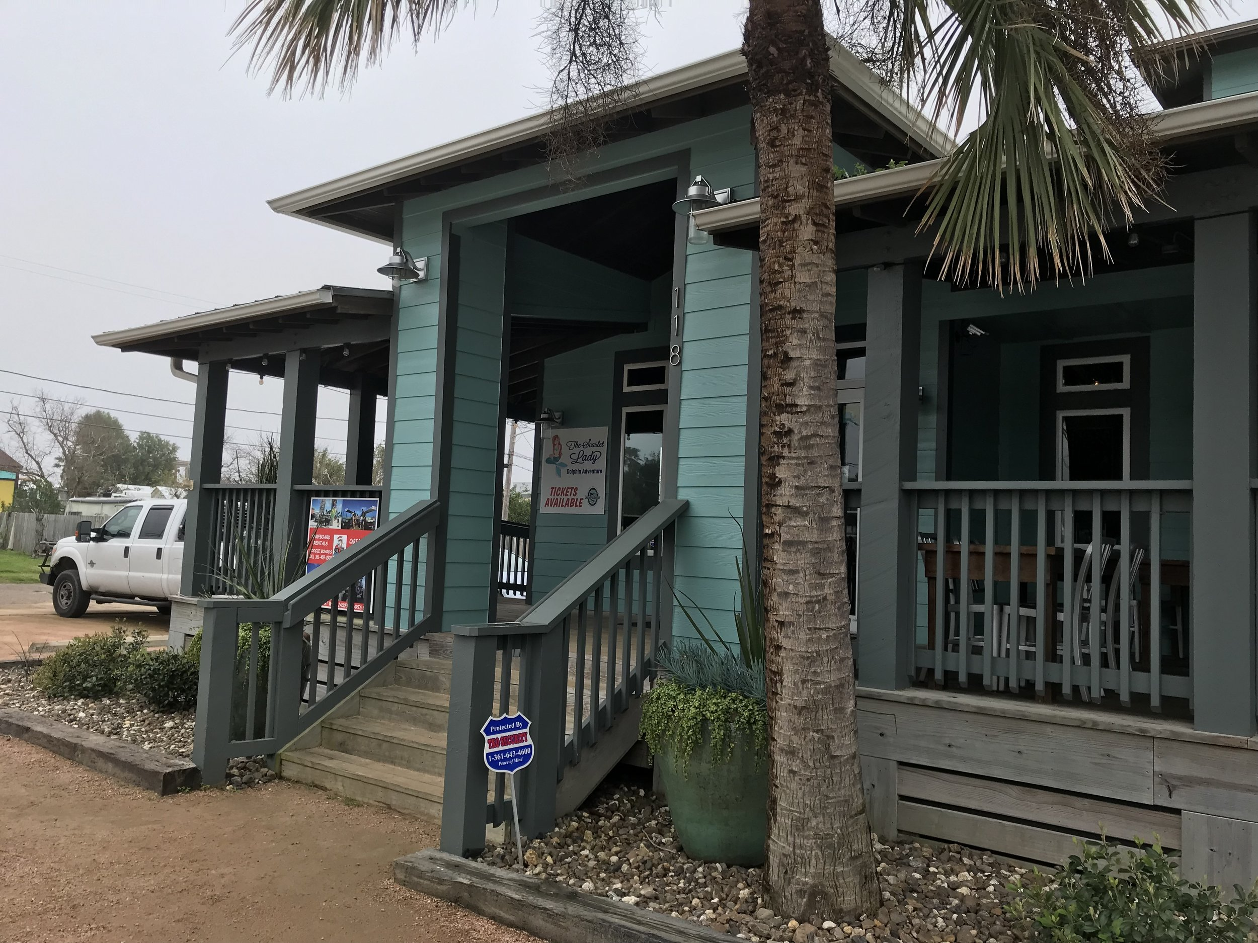 MacDaddy's, tasty food for lunch in Port Aransas.