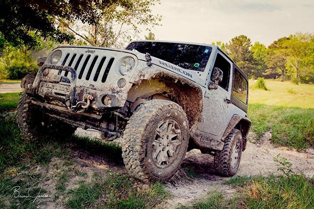 @dat_jeep_cray #jolene_jeep #stuntin after a few trails at up the creek acres  #mudlife #offroad #jeeplife #jeepwrangler #jkr #16jkr #cloakedrepublic #metalcloak #wranglerrubicon #rubicon #byao #cantfstopme