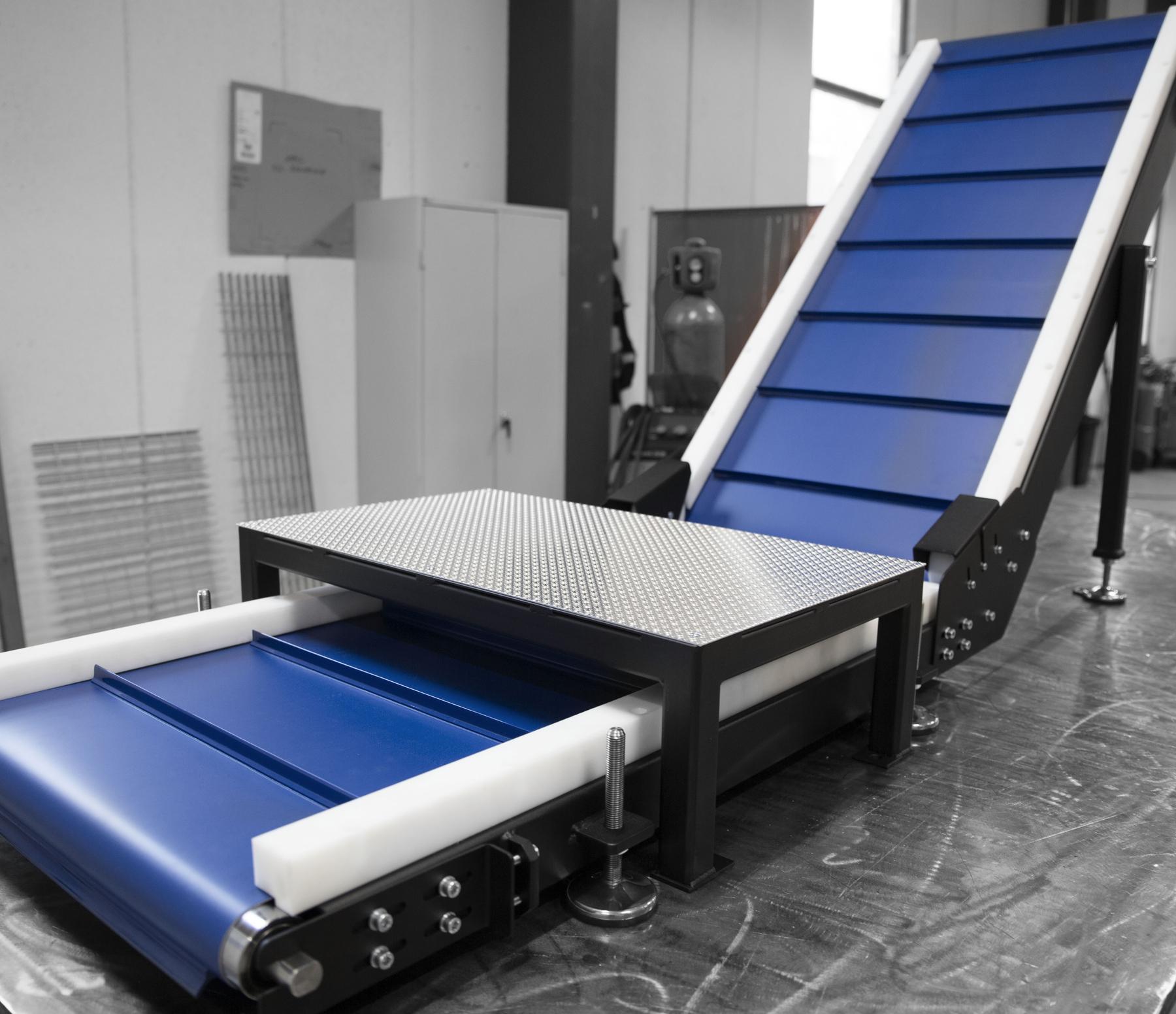 MATERIALHANTERING - Vi hjälper dig med materialhanteringmed ex. rullbanor & transportörer.