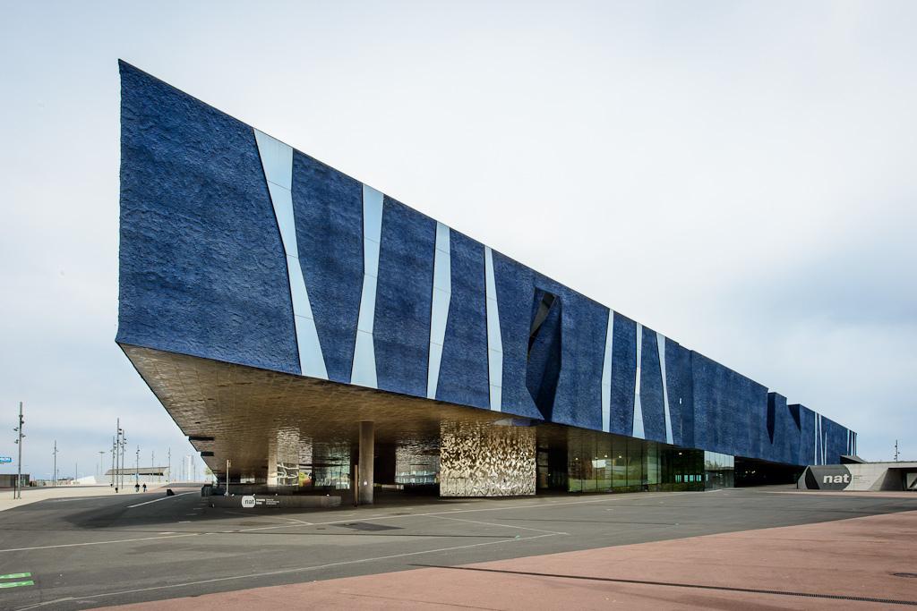 cj01Barcelona Forum Building av arkitekt Herzog & de Meuron 7094983249[L].jpg