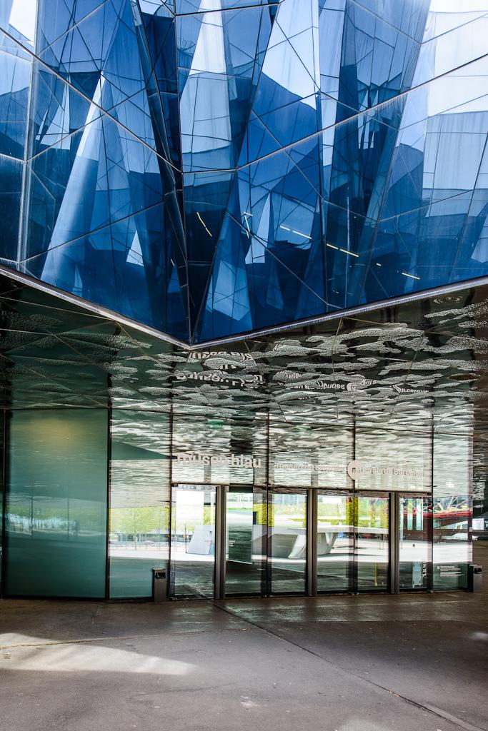 cj03Barcelona Forum Building av arkitekt Herzog & de Meuron 6948911178[L].jpg