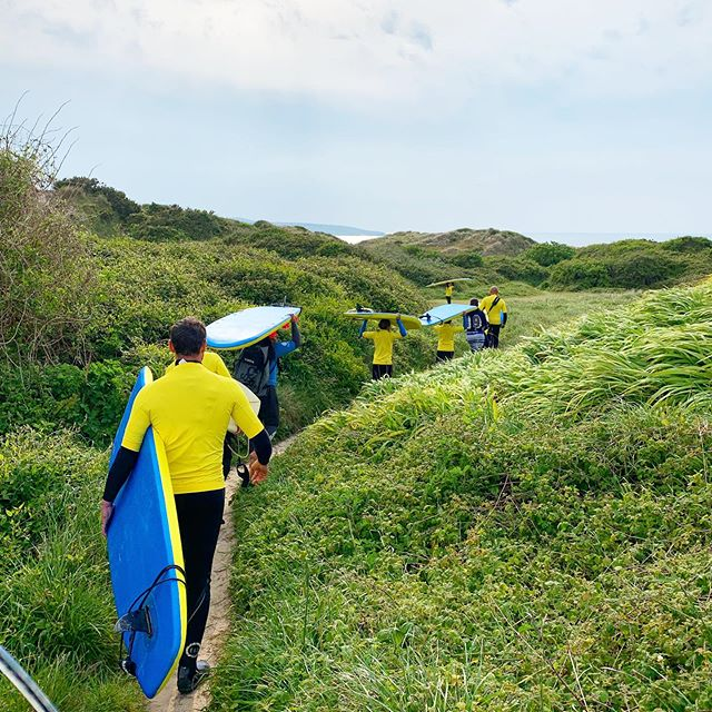Trekking through the jungle 😂 #surfinglessons . . . #surfing #cornwall #surfschool #visitcornwall #lovecornwall #hayle #haylebeach #surfsafari #paddleboarding #outdoors #adventure #travel #summeriscoming