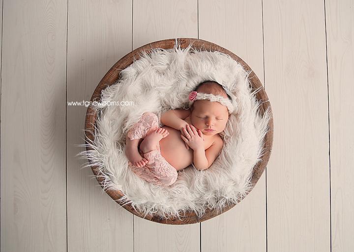 Tula Newborn Photographer