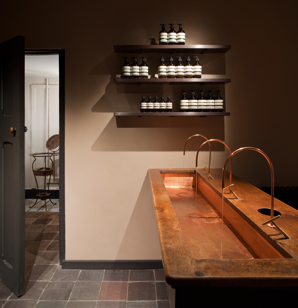 AESOP-UK-STORE-LAMBS-CONDUIT-STREET-08.jpg