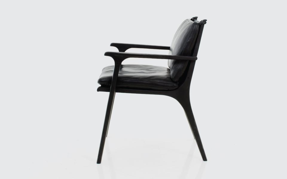 Rén Dining Chair with Arms.jpg
