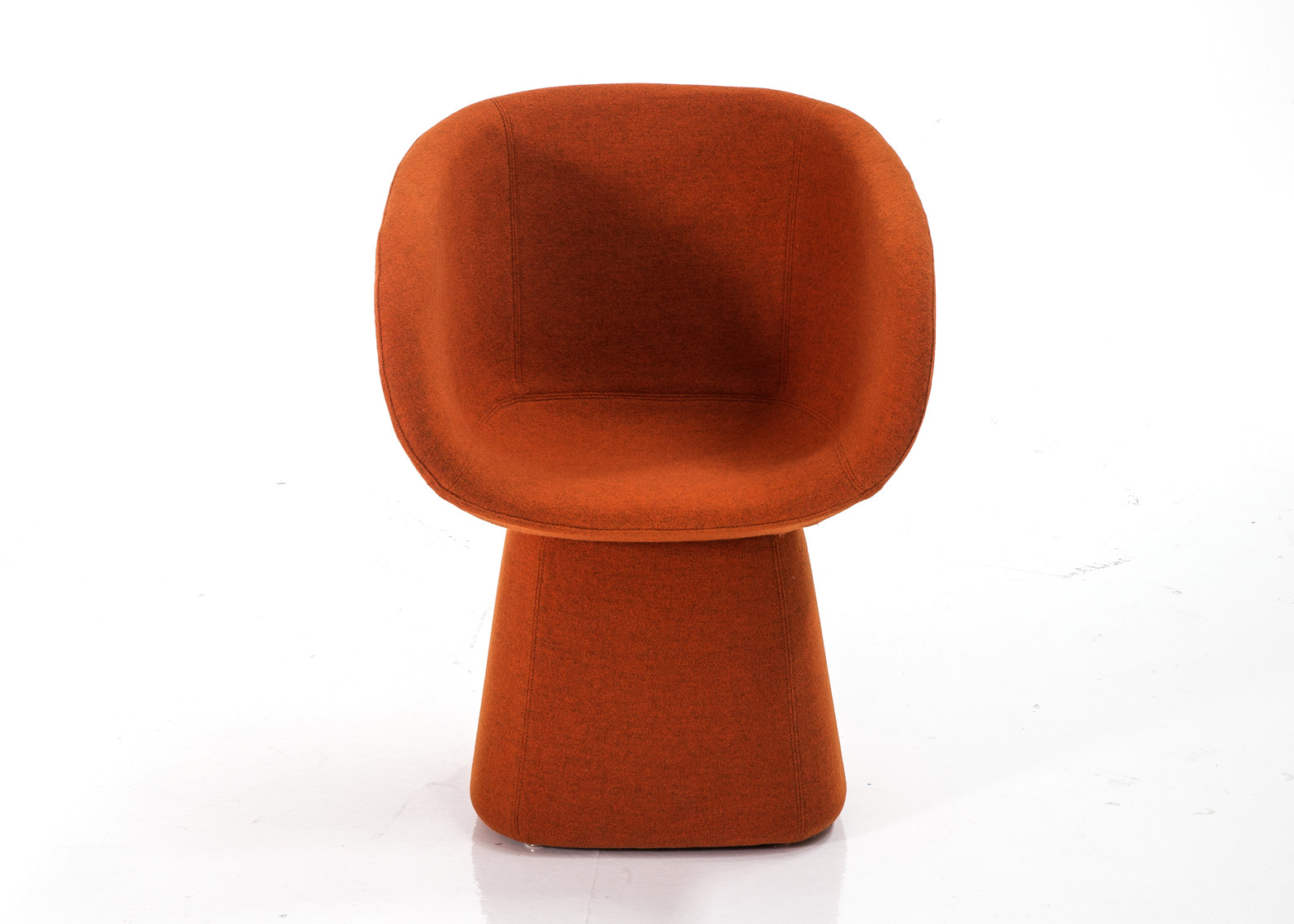 armada-nipa-doshi-jonathan-levien-seating-furniture-moroso-milan-design-week-2016_dezeen_1568_0.jpg