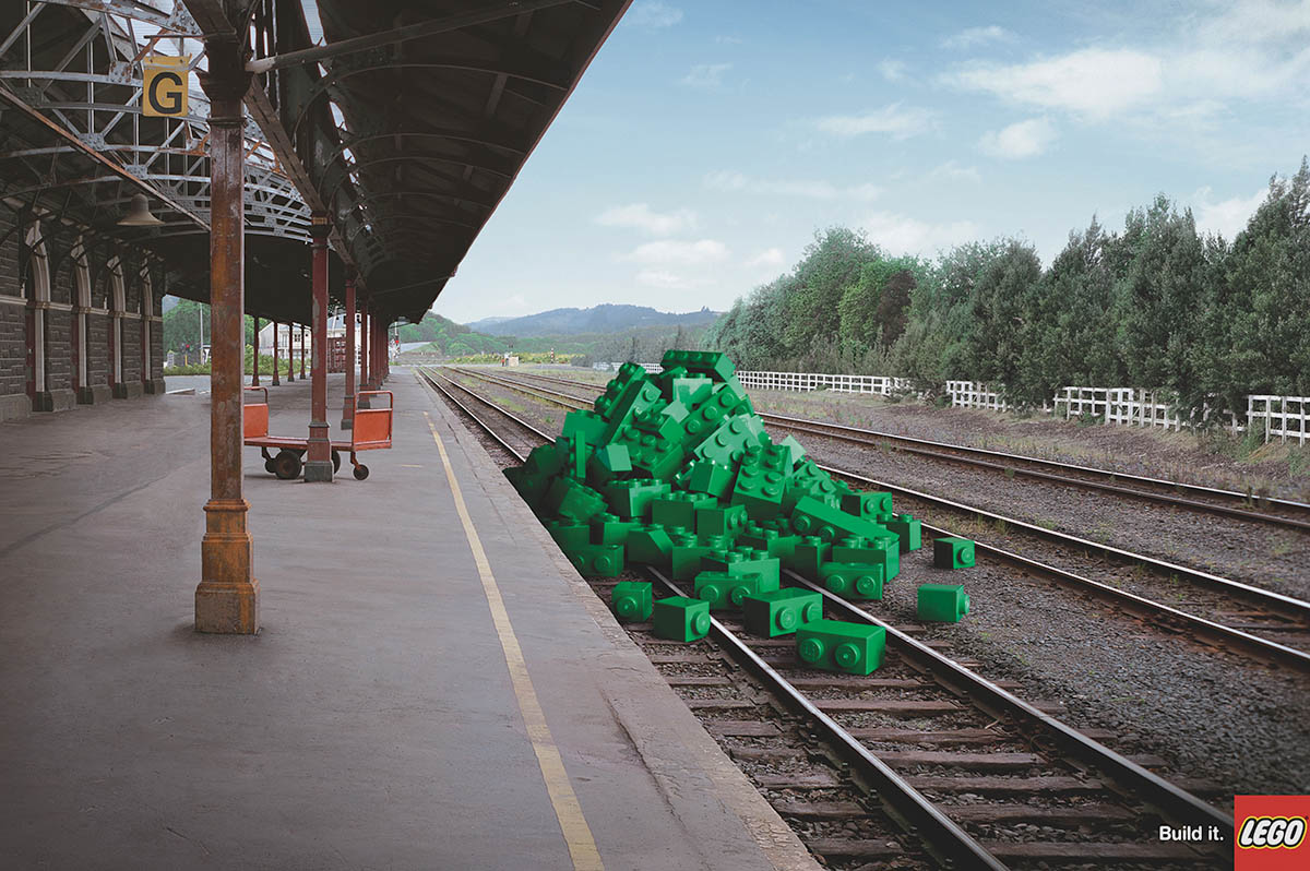 LEGO_Railway station_v01.jpg