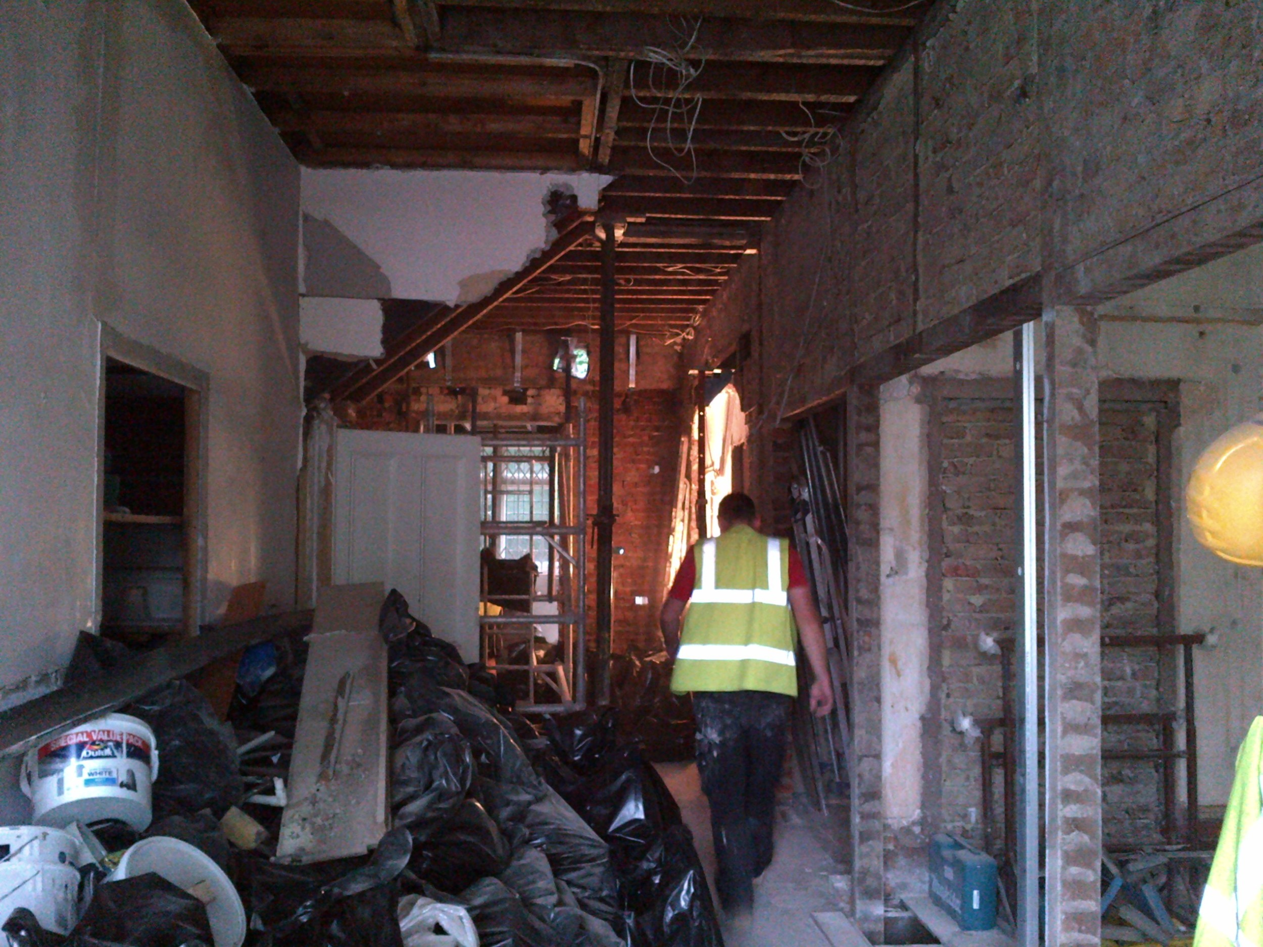 Frognal - Step 2 - Temporary suport in place for 1st wall.jpg