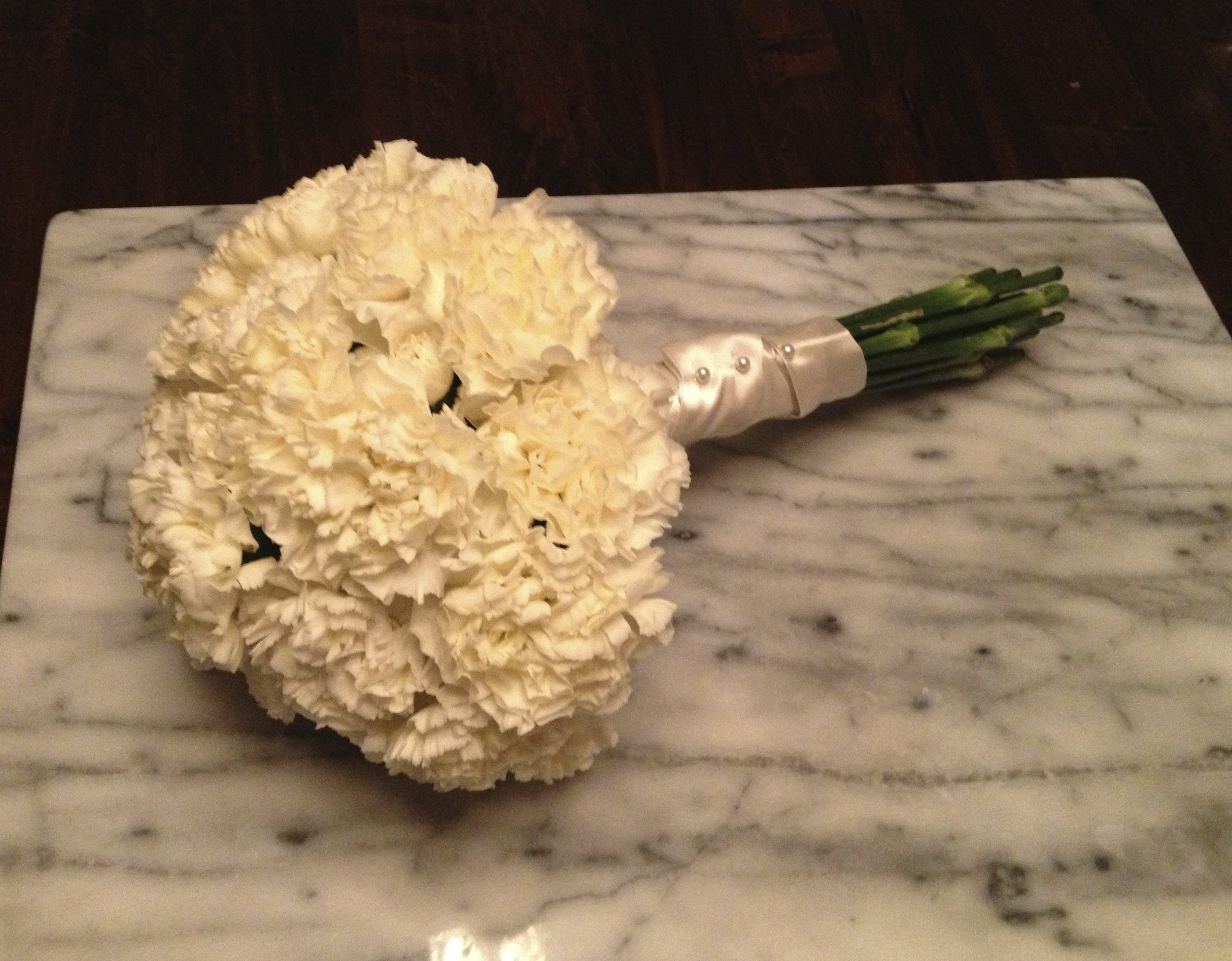 basic blooms Carnation Package
