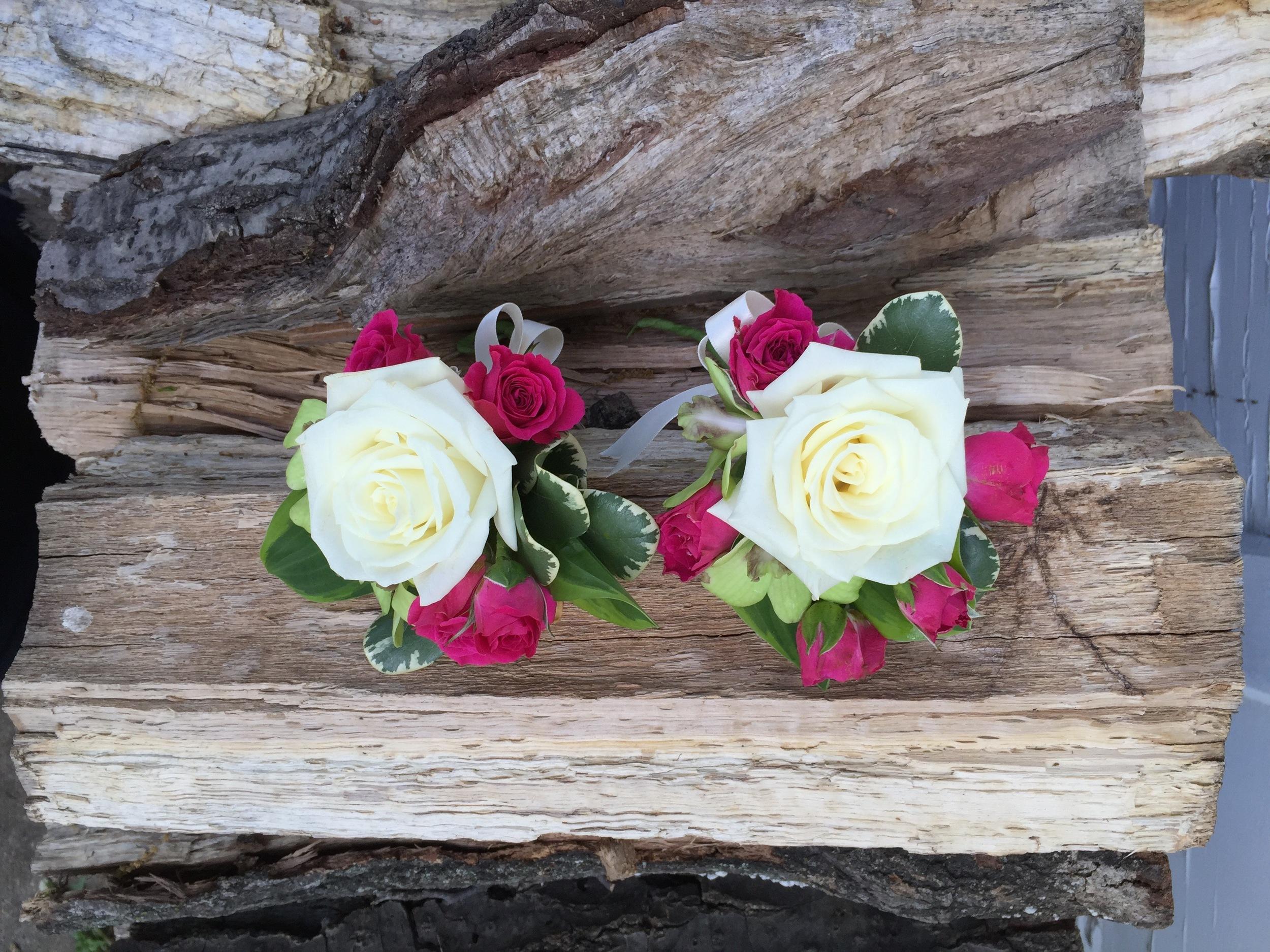 Rose, spray roses, variegated pittosporum