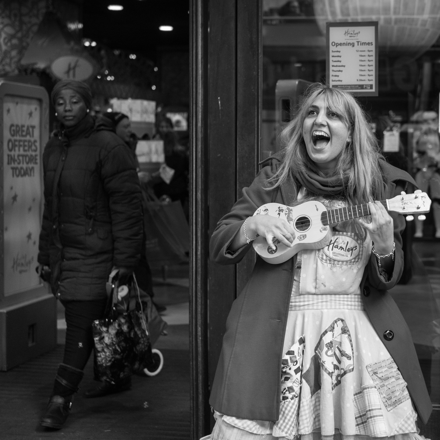 A few years ago I'd never have had the courage to get this close to strangers on the street - now I love street photography!