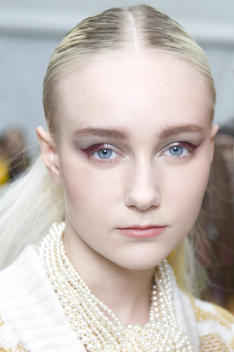 2014-15 Fall-Winter Ready-to-Wear, CHANEL Show Backstage, Makeup CHANEL, photographer Vincent LAPPARTIENT.