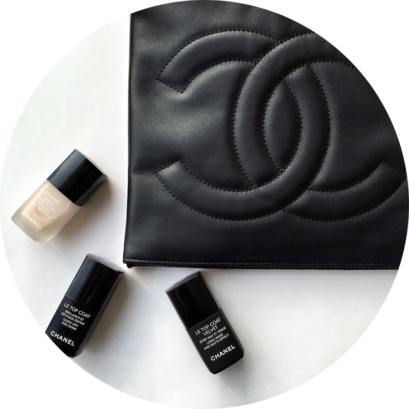 Chanel improve its nail polishes game with a range of jelly glossy polishes - La base - Le Top coat quick dry and shine - Le Top coat Velvet
