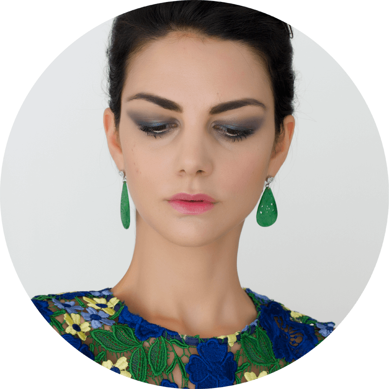 Wearing Chanel Stylo Eyeshadow in Blue Nuit