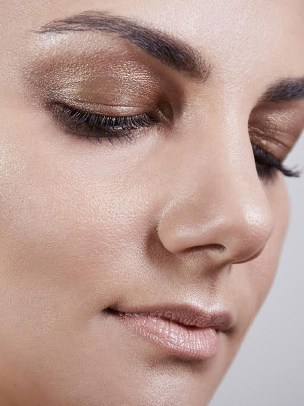 From Backstage to Beauty Case Grazia. it the metallic eyes trend - trend trucco metallico