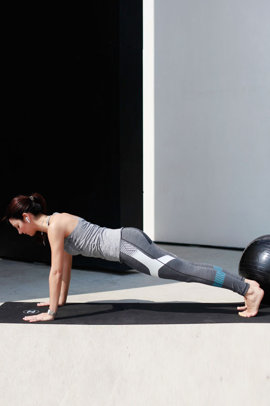 Plank: strengthens the abdominals,balances the entire body and train the breath.