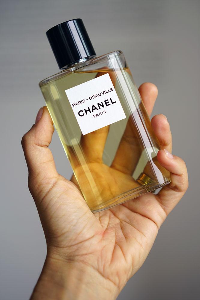 Profumi nomadi sia nel concetto che di fatto, i flaconi de Les Eaux De Chanel si ispirano alle giacchette da tasca facendosi veri e propri inviti al viaggio.