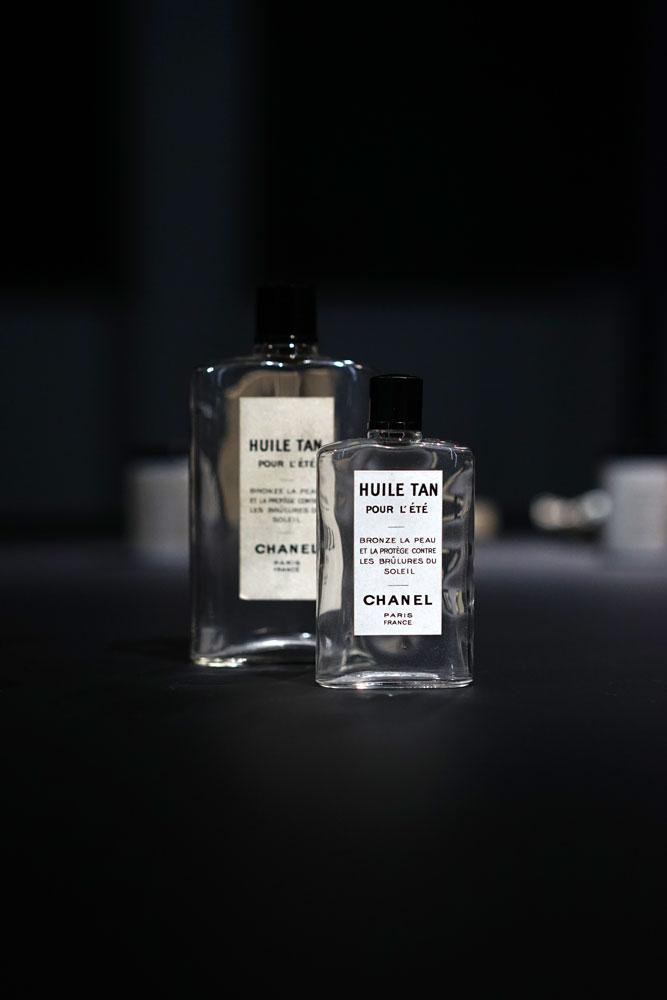 Chanel-Laboratoires-Patrimoine-Chanel-Vintage-Skincare-Huile-Tan.jpg