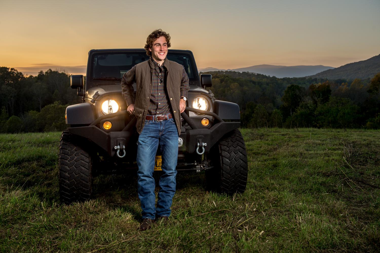 Senior_Photographer_Jeep_Lynchburg_VA_Alison_Creasy