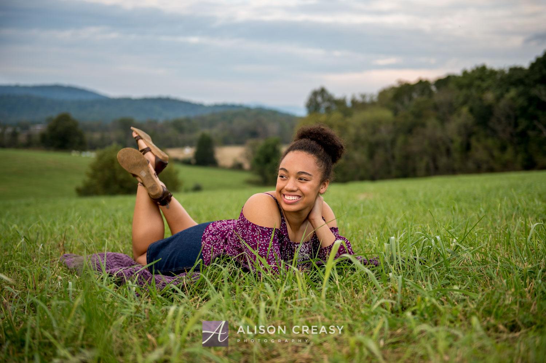 Scenic_outdoor_volleyball_senior_portraits_lynchburg_VA_alison_creasy_photographer-.jpg