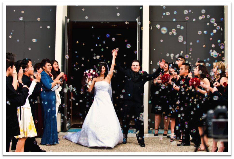 { Via } Bubbles are perfect for the fun-loving couple! A great crowd pleaser too.