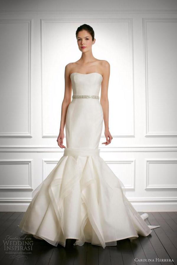 We love the details of this Carolina Herrera dress { via }