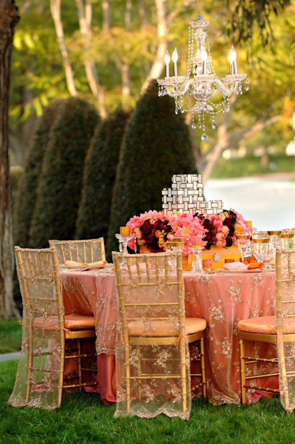 {Via}  These Moroccan inspired lace table linens are elegant and easily interchangeable (in case coral isn't your color)!