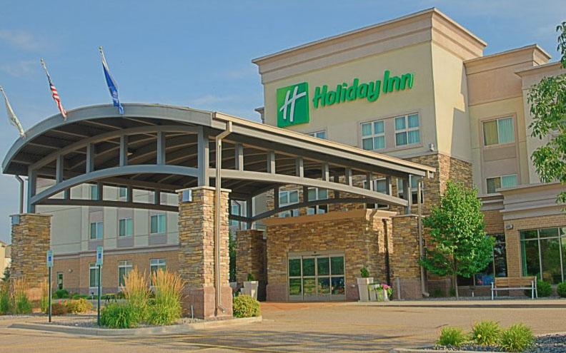 Holiday Inn Stevens Point II 4x2.5.jpg